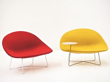 Tacchini Isola Chair with Table